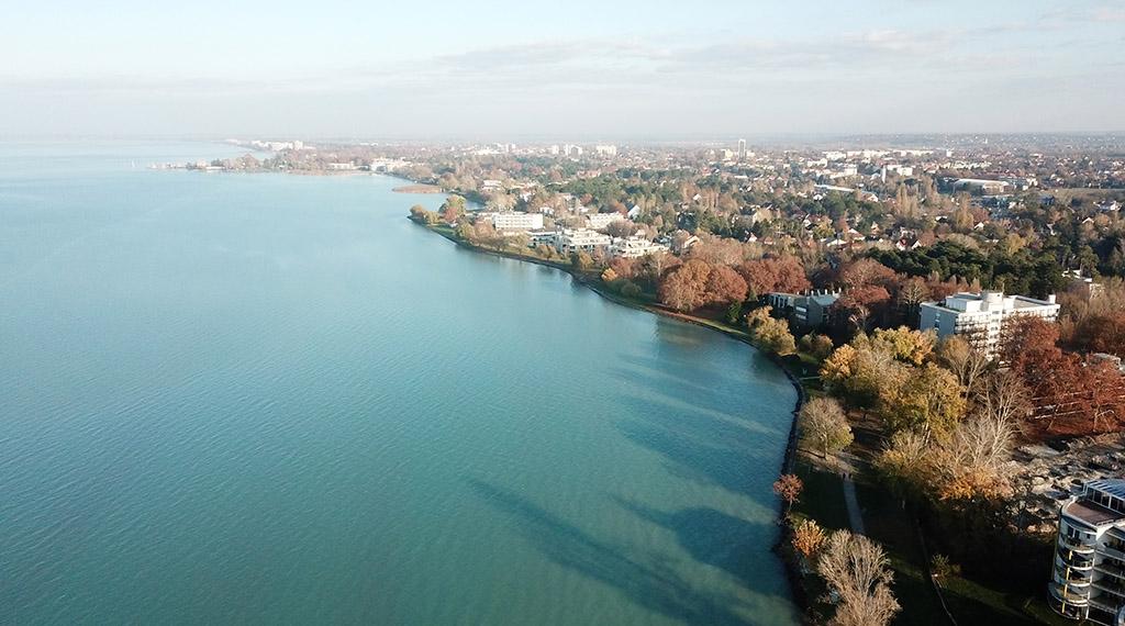 Véleményezhetjük a Balaton új partvonalának terveit