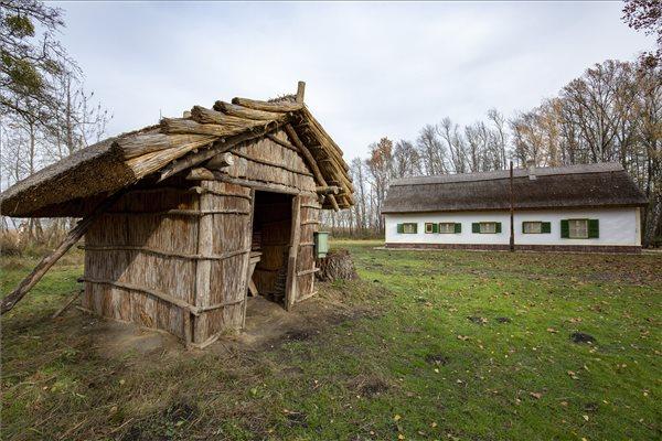 Megújult a Fekete István Emlékhely és a Matula kunyhó is a Kis-Balatonnál