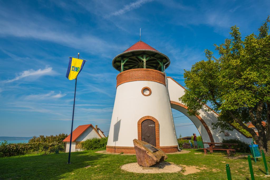 Bakancslistás helyek a Balaton körül – A Kőhegyi kilátó, Zamárdi