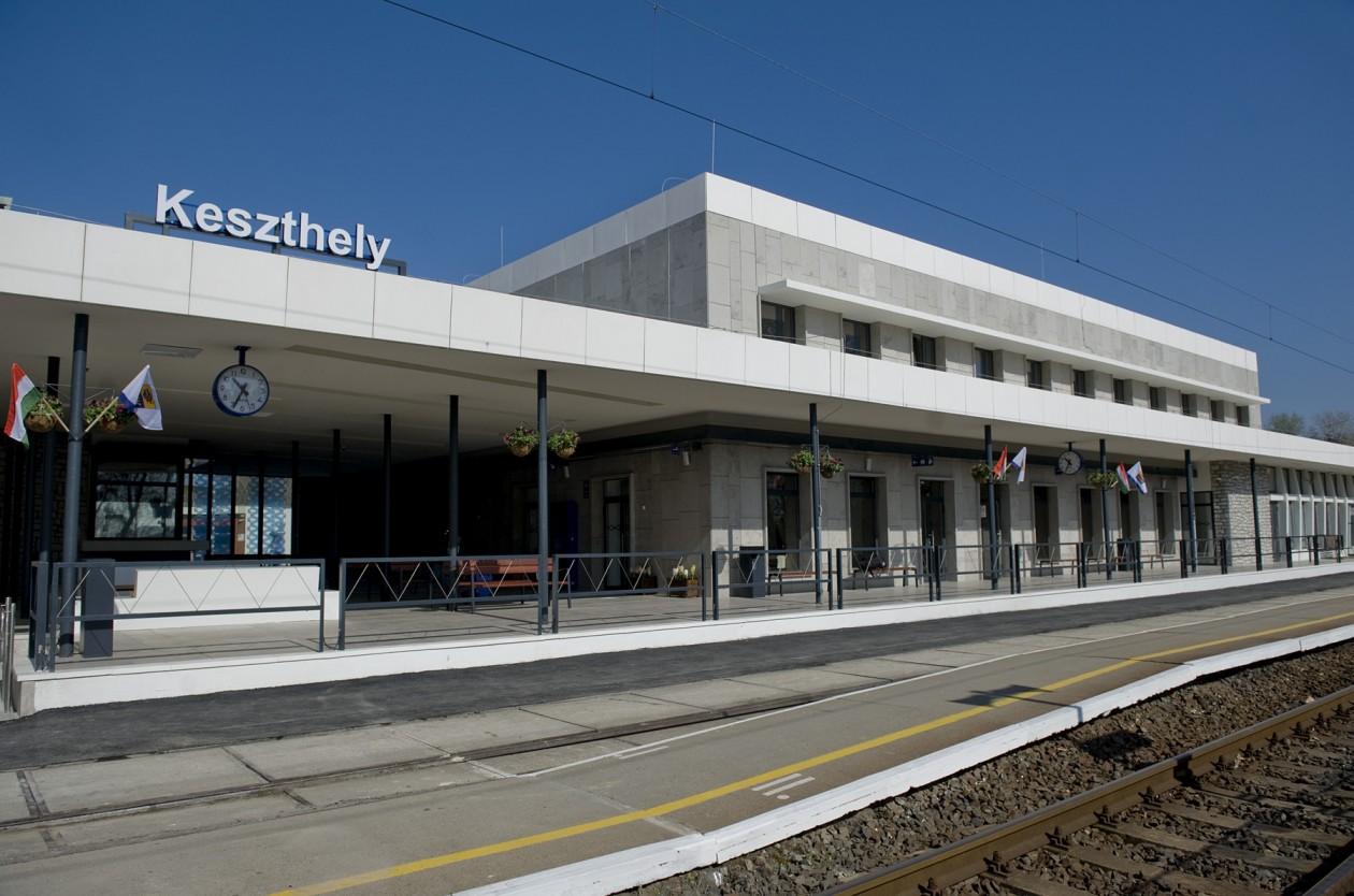 Új vasúti és autóbusz menetrend lép életbe december 13-án