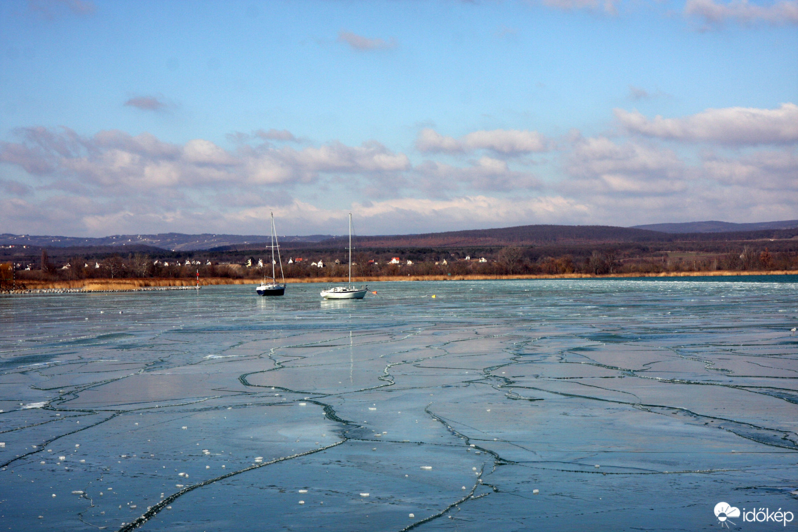 Képeken a hétvége balatoni jégformái