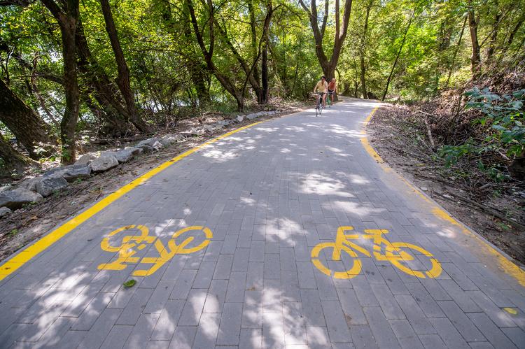 Megindul a bicikliút kiépítése Székesfehérvár és a Balaton között