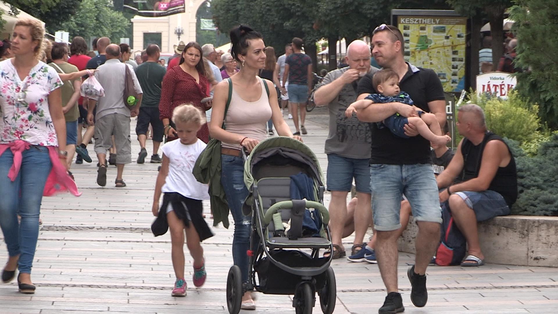 Hosszú idő után nő a balatoni régió népessége