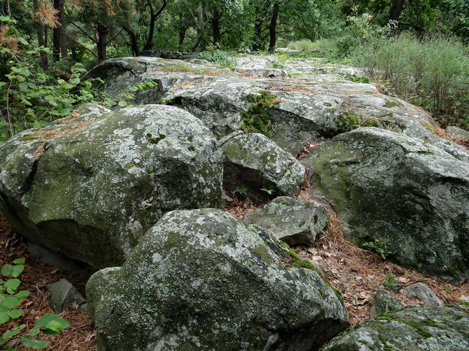 Bakancslistás helyek a Balaton körül – Papsapka kövek, Gyulakeszi