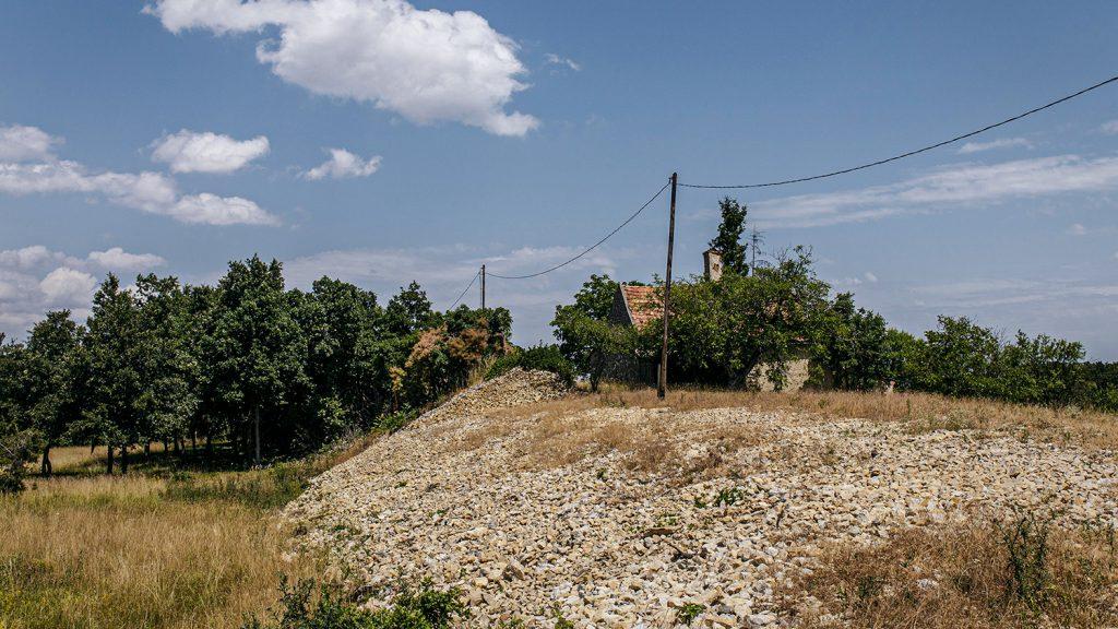 Veszélyben a Balaton-felvidék történelmi kősáncai
