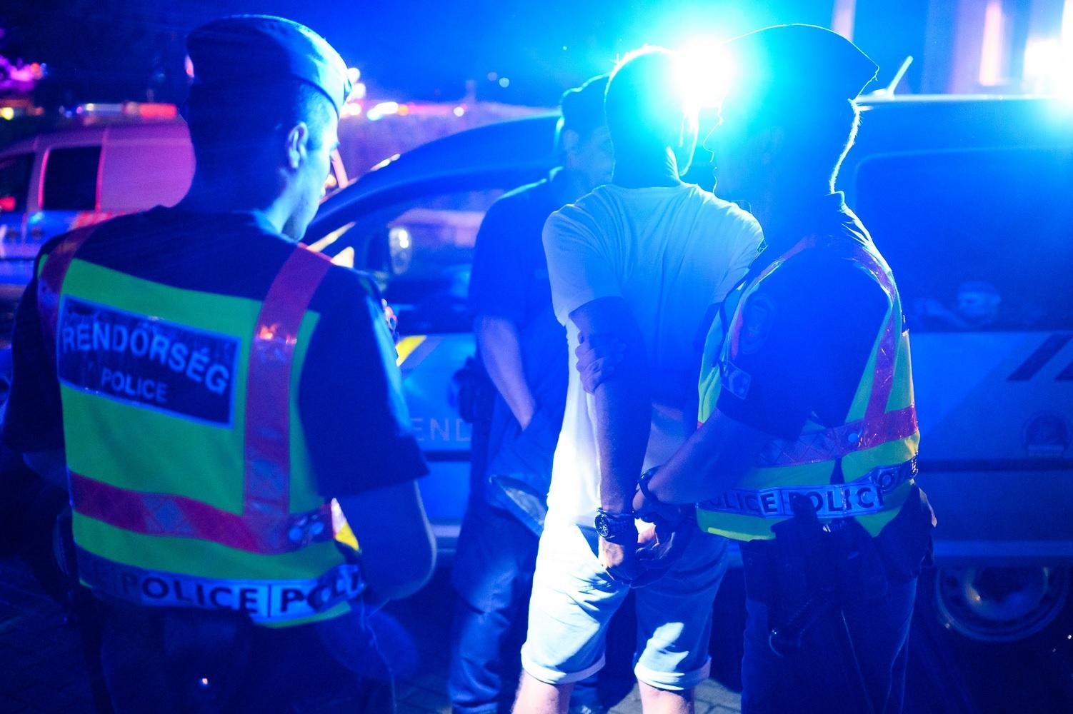 Körözött bűnözők, drog és garázdaság – ezen a hétvégén sem unatkoztak a siófoki rendőrök